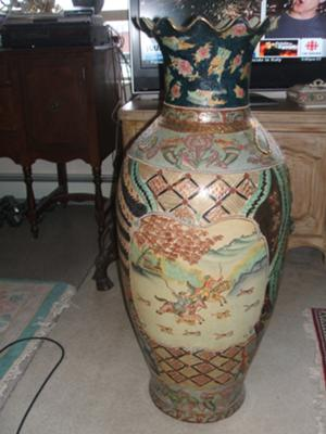A Pair Of Large Chinese Urns Vases