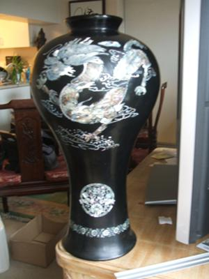 Mother Of Pearl Black Vase Korean Or Chinese