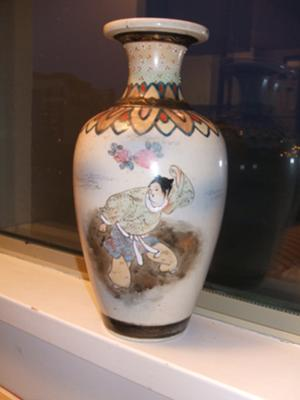 Old Vase Lady Flying On A Crane